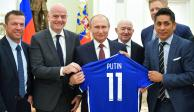 FOTOS: Jorge Campos acude a cena con Vladimir Putin