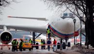 Diplomáticos rusos expulsados por EU  regresan a Moscú