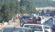 Comuneros liberan autopista y carretera México-Toluca; hay caos vehicular
