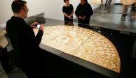 Exhiben en NY los accesorios más lujosos que han vestido los Papas