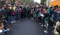 Alumnos de la prepa 8 bloquean acceso al plantel; piden justicia para Marco Antonio
