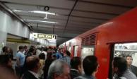 Falla en Línea 3 del Metro afecta traslado de cientos de usuarios