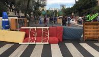 Desalojan a 46 familias y bloquean con sus muebles Arcos de Belén