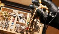 Sujetos disfrazados asaltaron joyería en Parque Tezontle