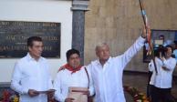 Entregan Bastón de Mando a López Obrador en Chiapas