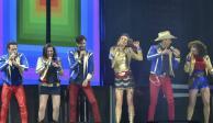 FOTOS: Como en un viaje a los 80 Timbiriche hace cantar y bailar al Zócalo