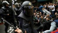FOTOS: Represión a votantes en referéndum de Cataluña