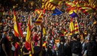 Por segundo día, cientos marchan en España contra independencia de Cataluña
