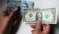 Peso inicia jornada con alza y el dólar se vende en 21.16 pesos
