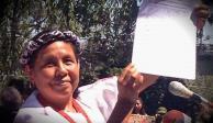 Marychuy llega a su registro ante el INE arropada por EZLN