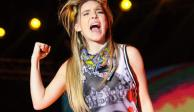 VIDEO: Belinda corre a fan de su show en Veracruz