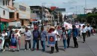 CETEG y padres de los 43 realizan marcha en Chilpancingo