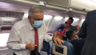AMLO, Washington, viaje, avión, cubrebocas