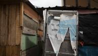 Una propaganda política a las afueras de una vivienda en Caracas