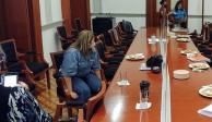 chnd, mujer, silla