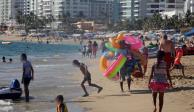 Abarrotan playa Acapulco