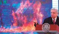 en su conferencia de ayer, el Ejecutivo López Obrador mostró imágenes de las protestas del lunes pasado.
