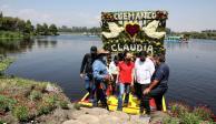 """Vecinos de Xochimilco reciben a Claudia Sheinbaum al grito de """"¡Presidenta!"""""""