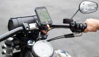 Las vibraciones de una motocicleta pueden dañar la cámara de tu iPhone, advierte Apple