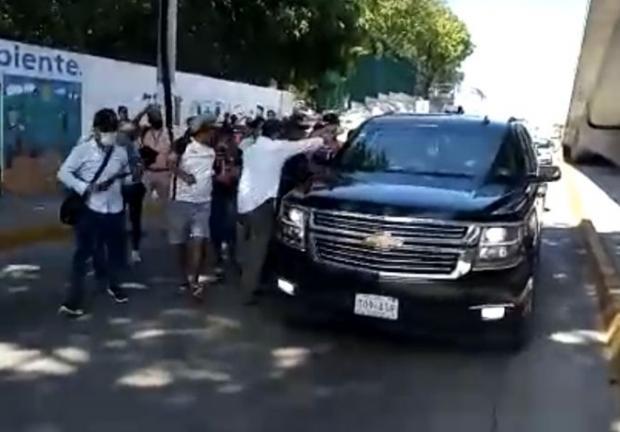Exigen a AMLO renuncia de Presidenta Municipal de Acapulco.