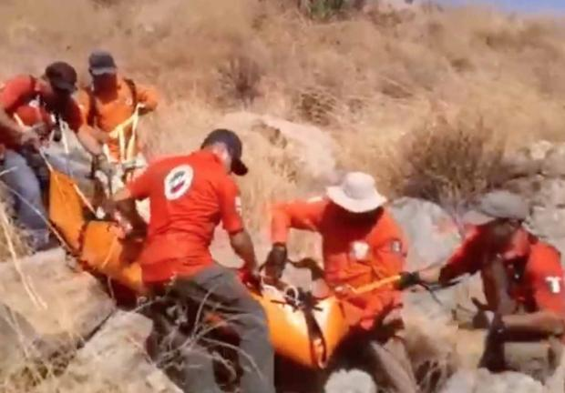 Rescatan a migrante lesionado en la frontera