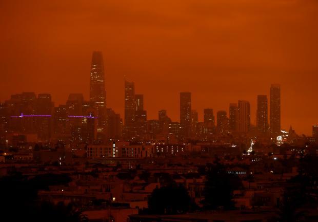 San Francisco bajo el cielo rojo.