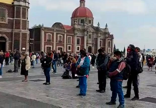 Los feligreses en la Basílica de Guadalupe.