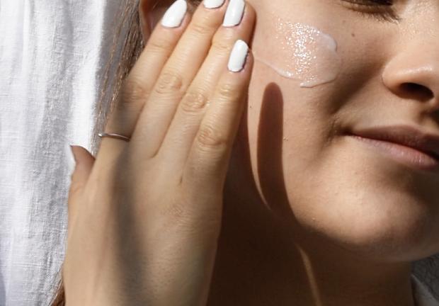 Suero facial, clave en la rutina de skin care
