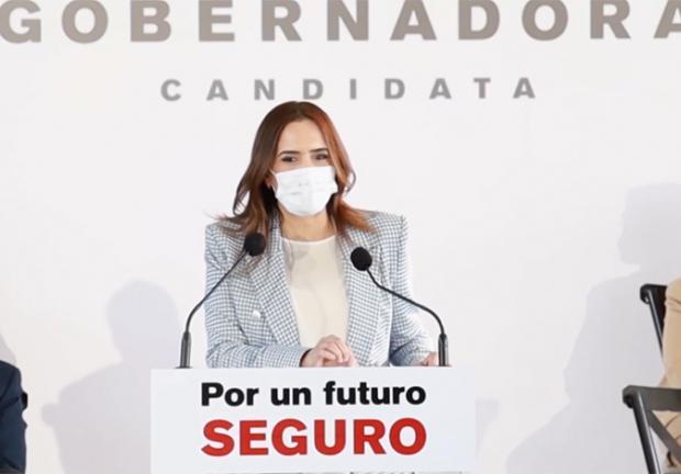 Los especialistas se unieron a Clara Luz Flores en el Equipo Nuevo León para garantizar el bienestar de las familias de estado.