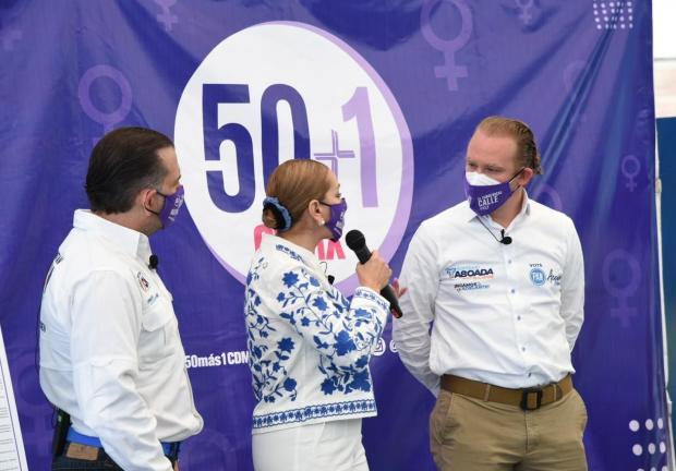 Santiago Taboada firma acuerdo de igualdad y no violencia contra las mujeres