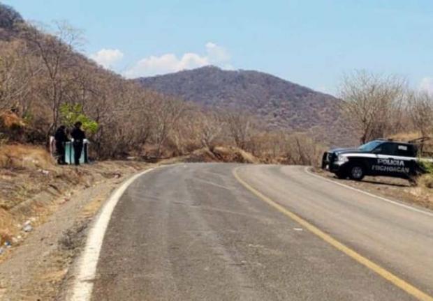 Pobladores del municipio de Aguililla, Michoacán, reportaron que durante la madrugada de este miércoles hubo varias balaceras
