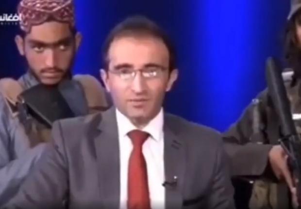 Talibanes amenazan a presentador de noticias en pleno programa de TV