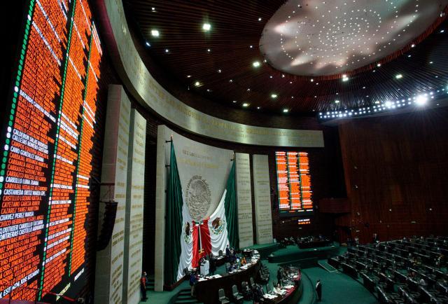 Madrugan al INE: diputados avalan ir por reelección sin dejar curules