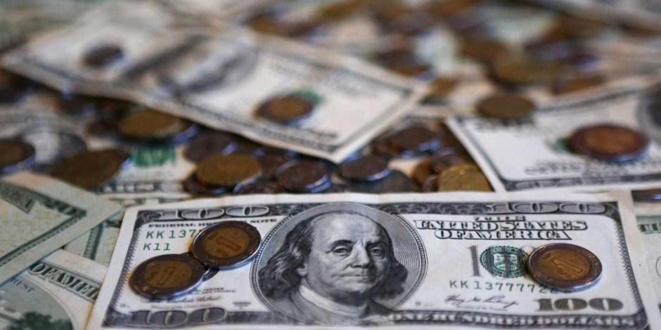 Peso avanza 0.40%; dólar roza los $25 por unidad en bancos