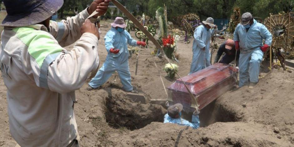 Con 353 decesos, muertes por COVID-19 en México se triplican en un día