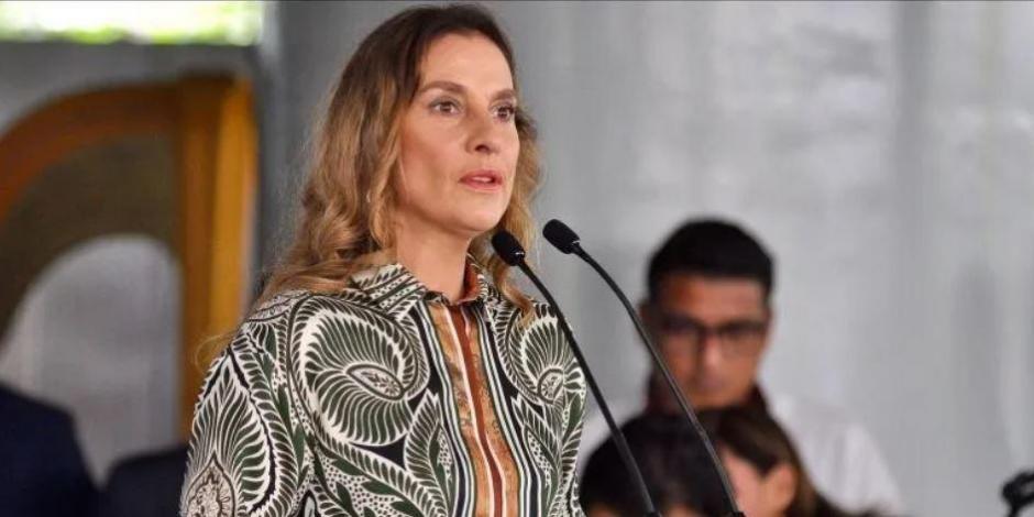 Pide Beatriz Gutiérrez Müller devolver instrumentos de Flor Amargo