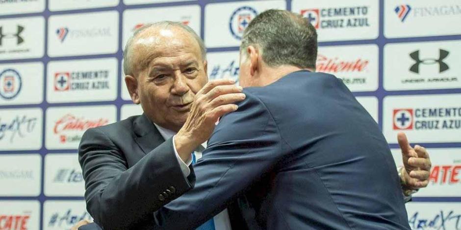 A Peláez le pedí que se quedara, una cosa es pedir y otra rogar: Billy Álvarez