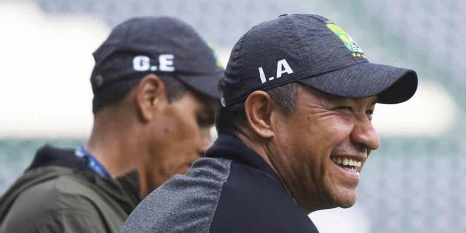 Chivas dejó de ser grande: Nacho Ambriz