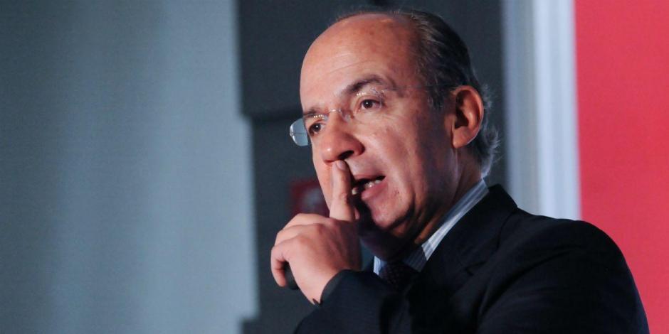 Renuncia Felipe Calderón al PAN