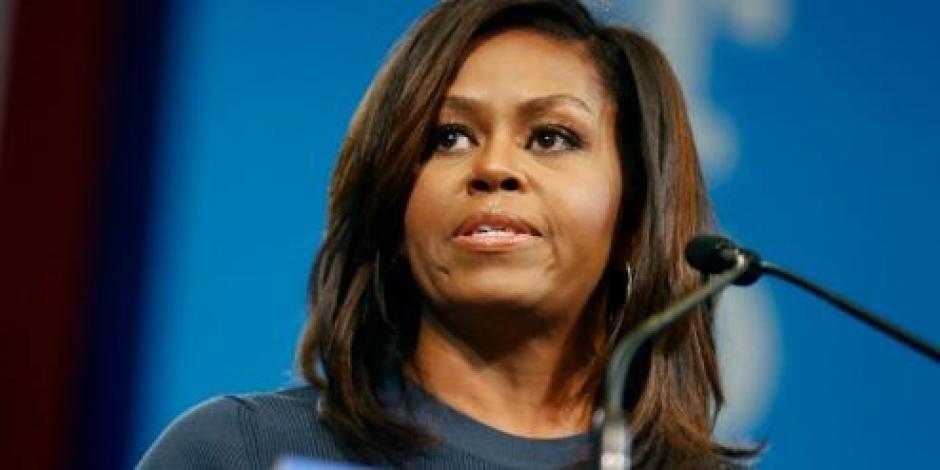Michelle Obama pide ponerle un alto a Trump por denigrar a mujeres