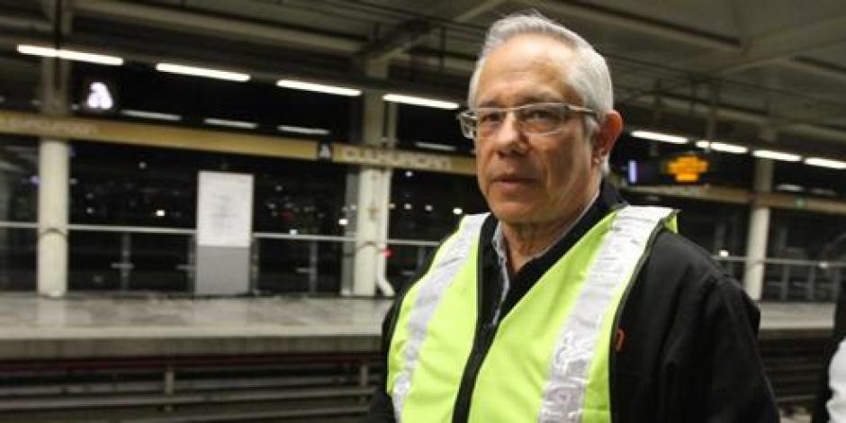 Gaviño ofrece dejar renovados 85% de trenes del Metro