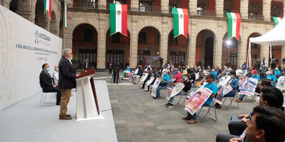 Alejandro Encinas conferencia