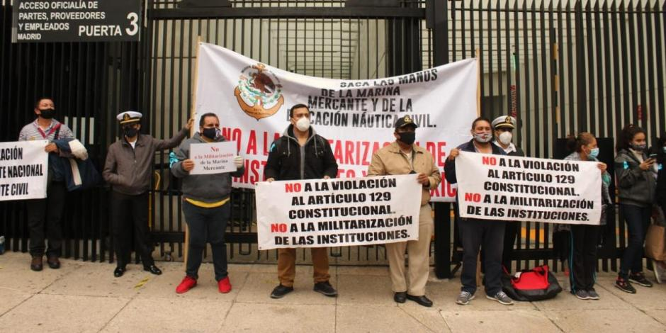 Protesta-marinos-semar-senado