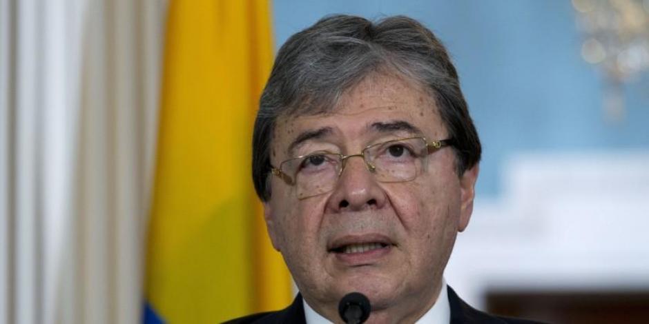 Carlos Holmes, ministro de defensa de Colombia