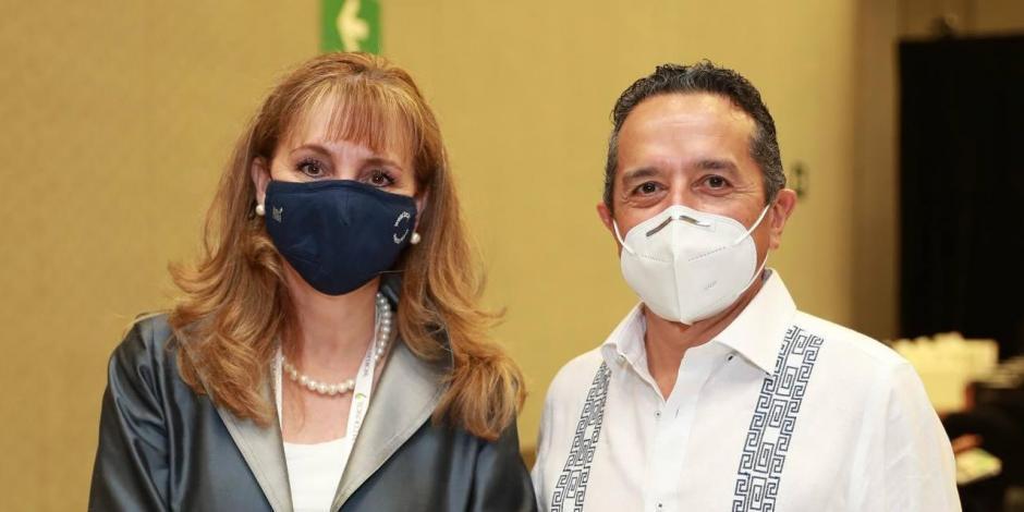 Gobernador Carlos Joaquín y Gloria Guevara