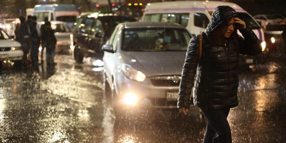 Caos en Metro de la CDMX por lluvias