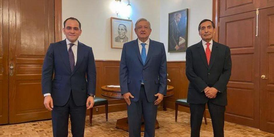 de izq. a der. Arturo Herrera, Andrés Manuel López Obrador, Rogelio Ramírez de la O