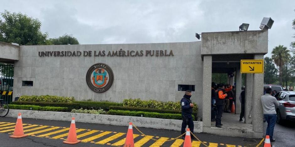 Elementos de la GN y policía estatal en la Universidad de las Américas.