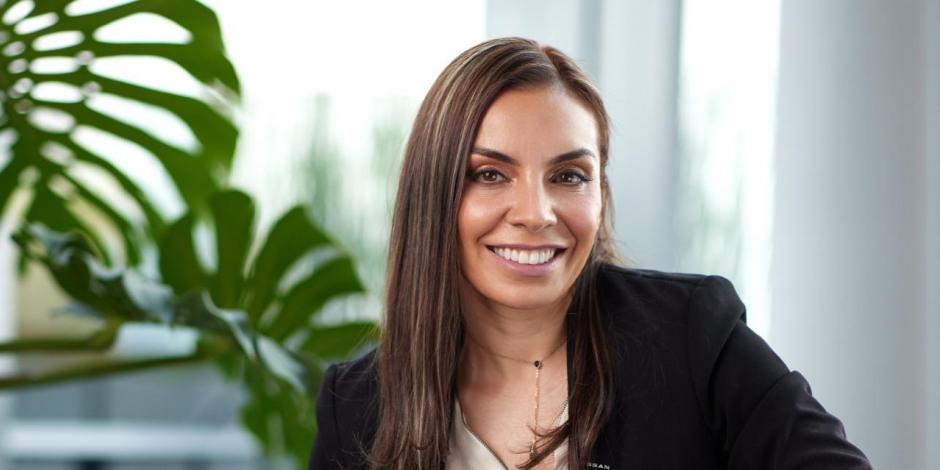 Diana Torres, es licenciada en Finanzas por parte de la Universidad Externado de Colombia y cuenta con una maestría con distinción en Administración de Negocios
