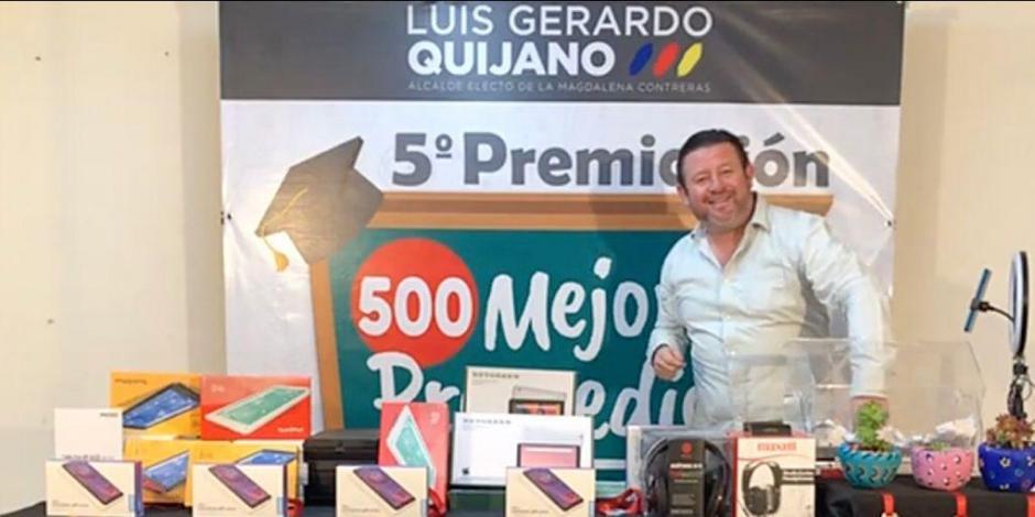 La premiación se realiza con recursos propios del alcalde electo y gracias a donaciones de habitantes y vecinos de La Magdalena Contreras.